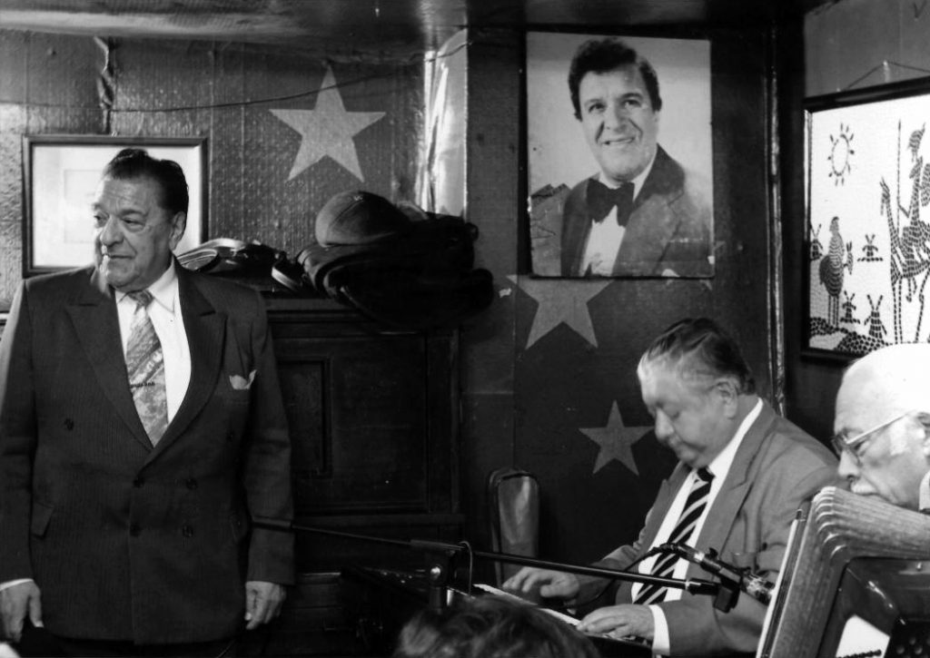 Músicos del bar Cinzano: Manuel Fuentealba, José González, Luis Barrera.