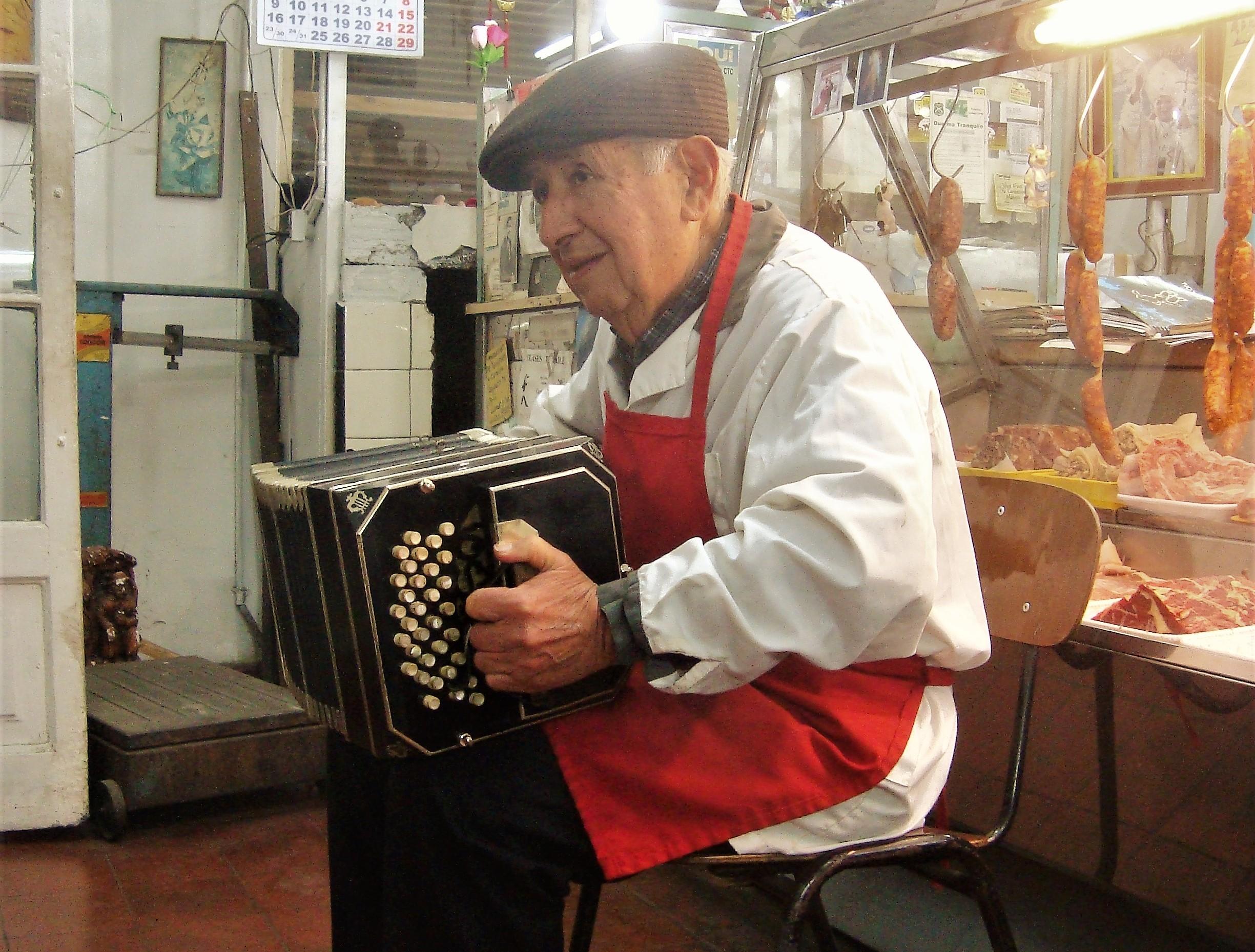Está en línea el Documental Buenos Aires por la capital: Tanguerías en Santiago de Chile (1960-2010).