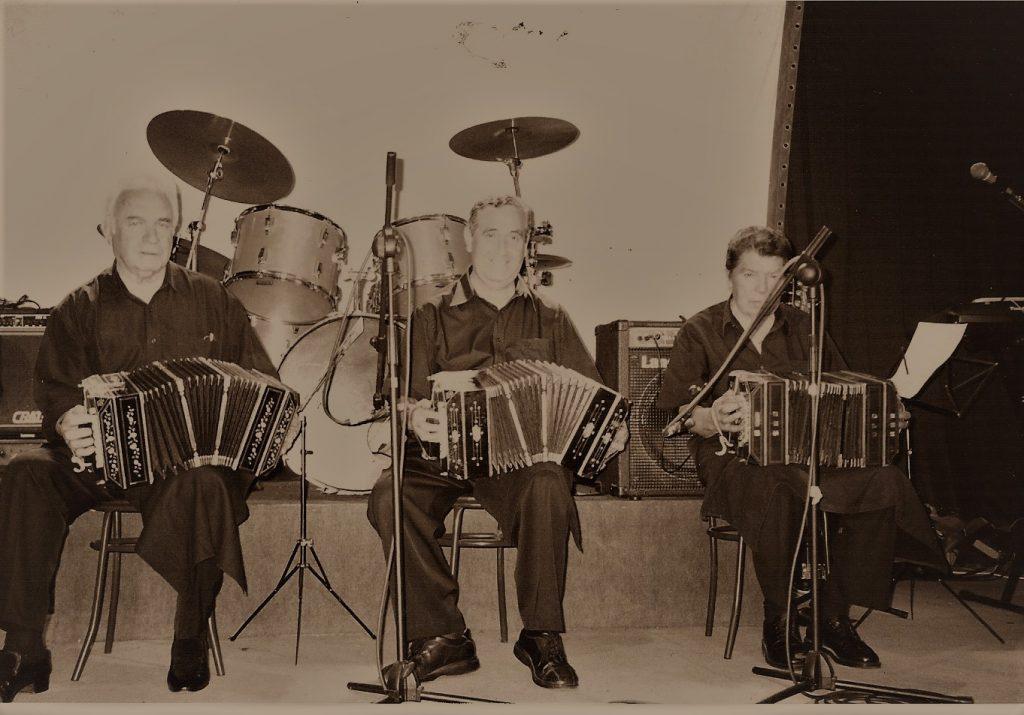 Los bandoneonistas Enrique Carrión, Raúl Vargas y Luis Ibarra (de izq. a der.)