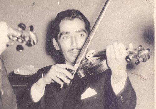 Víctor Gallardo, violinista. 1959ca. Archivo personal de Víctor Gallardo.