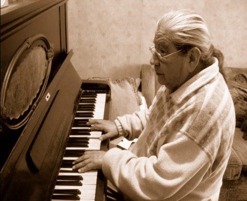 Luis Saravia en su casa de Viña del Mar. Febrero, 2007