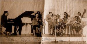 Orquesta típica Lucho Saravia. En los bandoneones, de izquierda a derecha: Aníbal Sánchez, Héctor Gorla y Jorge Orellana. Julio, 1973. Archivo personal de Luis Saravia