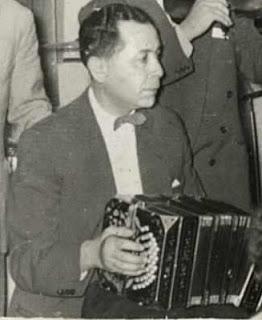 Alfonso Romero, bandoneonista de Los Porteños del Tango, Valparaíso 1958